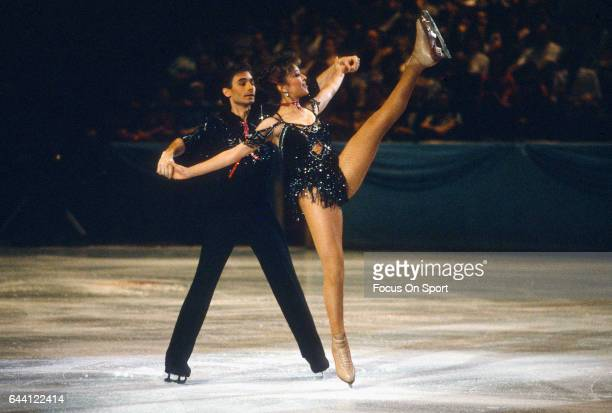Figure Skaters Tai Babilonia and Randy Gardner of the United States competes in the pairs in a figure skating competition circa 1985