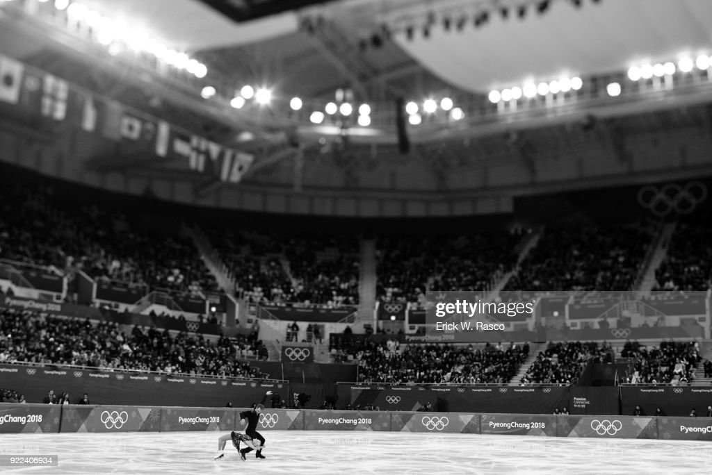 Great Britain Penny Coomes and Nicholas Buckland in action during Ice Dance Free Dance at Gangneung Ice Arena. Erick W. Rasco X161686 TK1 )