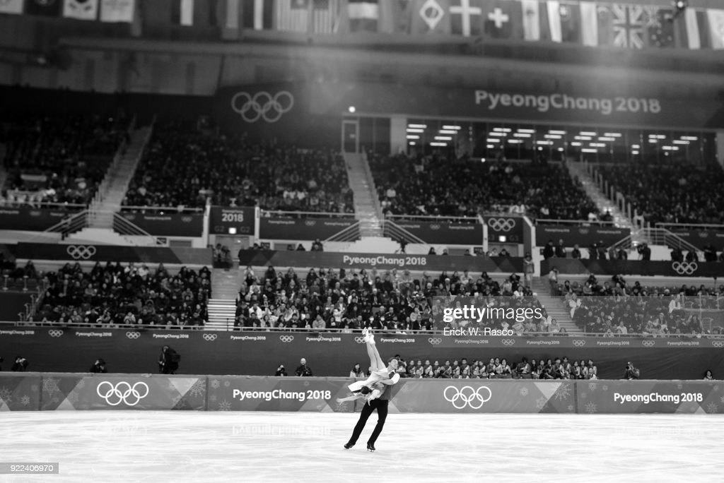 Olympic Athletes from Russia (OAR) Ekaterina Bobrova and Dmitri Soloviev in action during Ice Dance Free Dance at Gangneung Ice Arena. Erick W. Rasco X161686 TK1 )