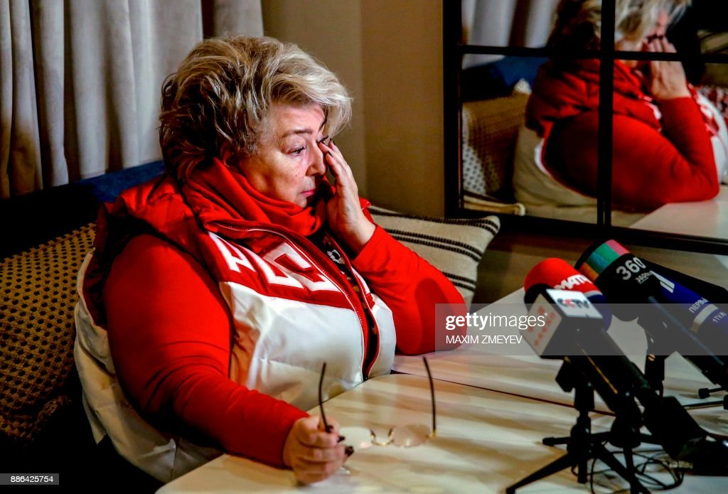 Figure skating coach Tatiana Tarasova speaks to the media on December 5, 2017 in Moscow, after the International Olympic Committee announced the decision to ban Russia from the 2018 Winter Olympics. Russia were banned from the 2018 Olympics on December 5, 2017 over state-sponsored doping but the International Olympic Committee said Russian competitors would be able to compete 'under strict conditions'. / AFP PHOTO / Maxim ZMEYEV