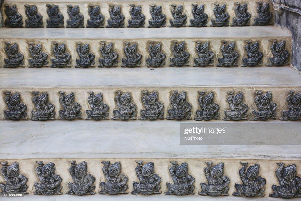 Figures adorn the Nagadipa Vihara (Nagadeepa Nainativu Buddhist Temple) on Nainativu Island in the Jaffna region of Sri Lanka.