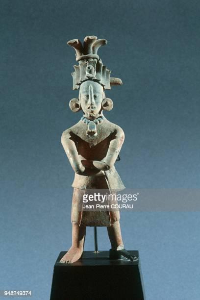 Figurine maya de Jaina dans le Yucatan au Mexique datant du classique récent et conservée au Musée National d'Anthropologie à Mexico L'île de Jaina...