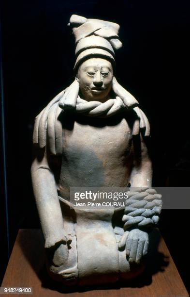 Figurine maya issue de l'Ile de Jaina dans le Yucatan au Mexique datant de l'époque classique maya et conservée au Musée National d'Anthropologie à...
