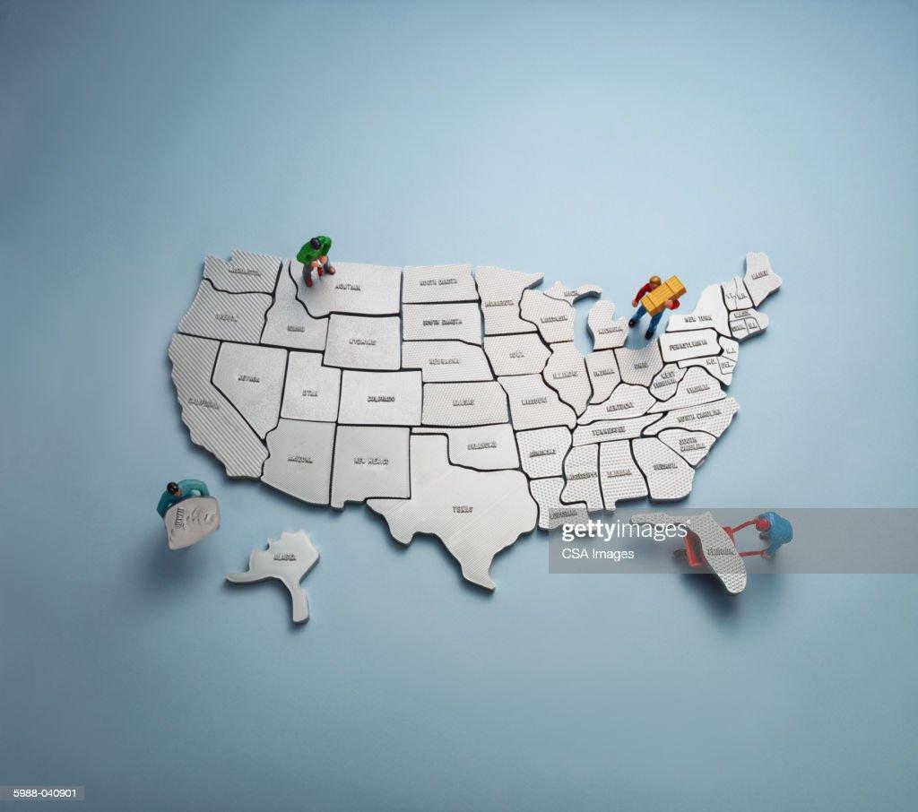 Figurines with U.S. Map : Photo