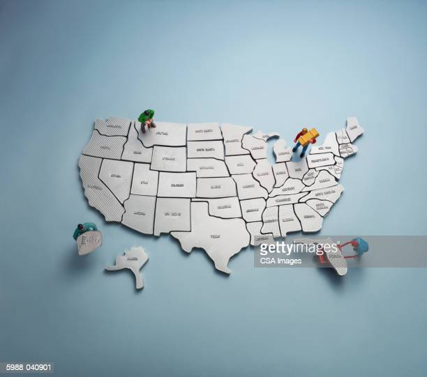 figurines with u.s. map - american culture stock pictures, royalty-free photos & images