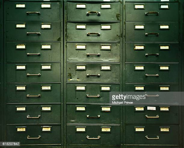file cabinet drawers - archiefbeelden stockfoto's en -beelden