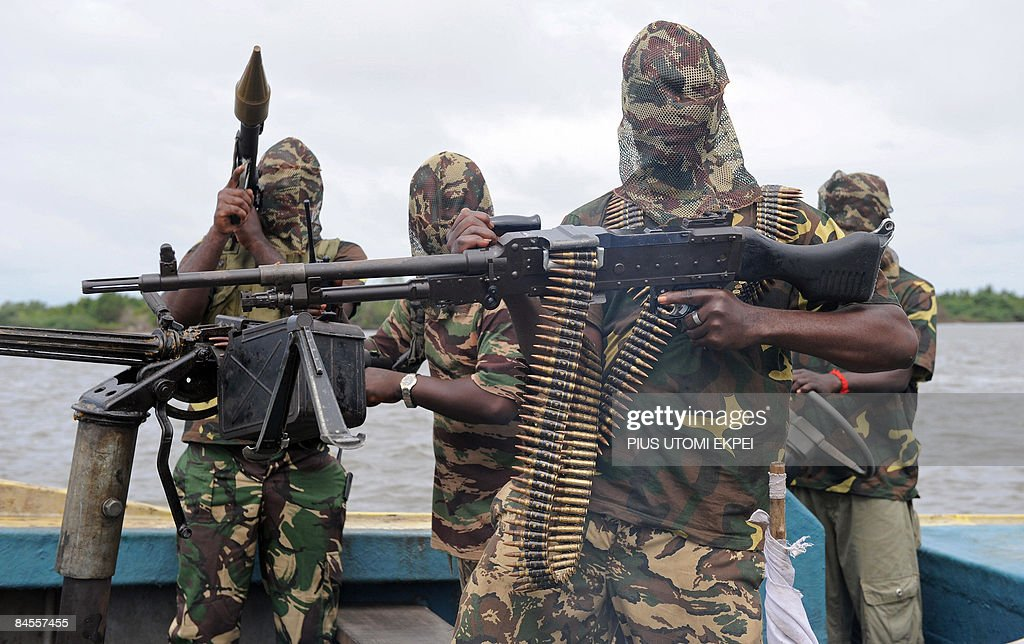 File photo taken September 17, 2008 shows fighters of the Movement for the Emancipation of Niger Delta (MEND) as they prepare for an operation against the Nigerian army in Niger Delta on September 17, 2008. MEND said January 30, 2009 that it was calling off the ceasefire it declared four months ago, following an attack by the army.