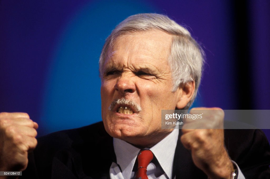 Un rerate complètement remanié sera bientôt annoncé File-photo-ted-turner-reacts-during-the-taping-of-the-western-cable-picture-id524126412