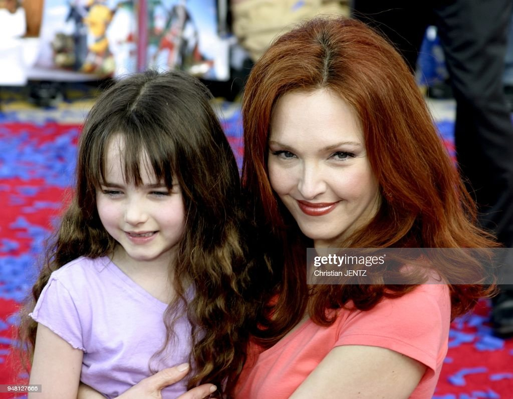 Amy Yasbeck file photos. - westwood - amy yasbeck and daughter stella