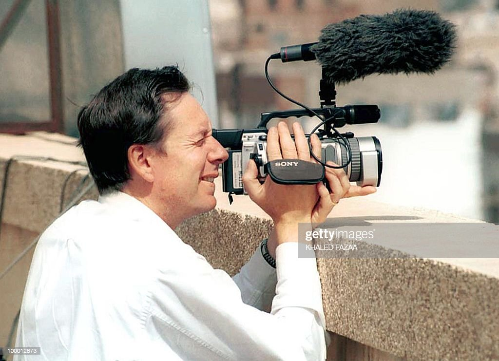-- A file picture dated April 2002 of BBC correspondent Frank Gardner, critically wounded in a shooting in Saudi Arabia 06 June 2004, taken in Aden, Yemen during his coverage of events there. Gardner's wife said after flying into Riyadh from London 10 June 2004 that he was fighting hard for his life and she felt better after seeing him. Amanda Gardner said her husband, 42, remained heavily sedated and did not realize she was at his bedside. Irish cameraman Simon Cumbers, 36, was killed and Gardner wounded when they were shot by suspected Islamist extremists near the home of a top wanted militant in a southern district of Riyadh in the latest of a string of terror attacks in Saudi Arabia that have increasingly targeted Westerners in recent weeks. AFP PHOTO/Khaled FAZAA