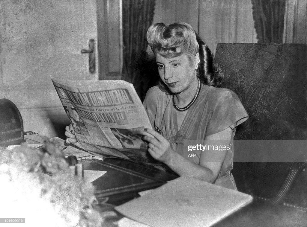 File picture taken in 1947 showing Eva P : News Photo