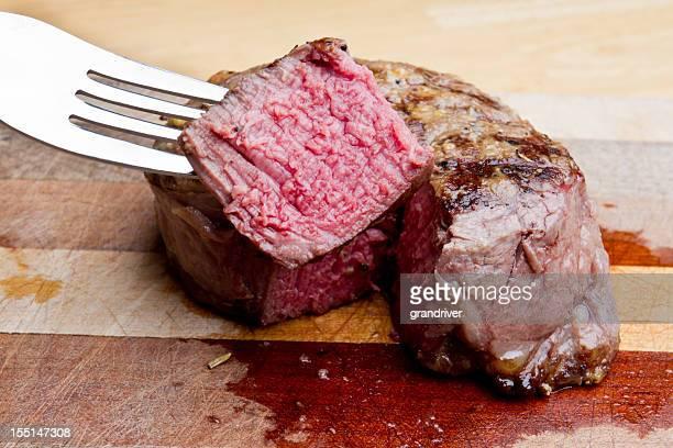 フィレミニヨンのステーキ、軽食のカットアウト