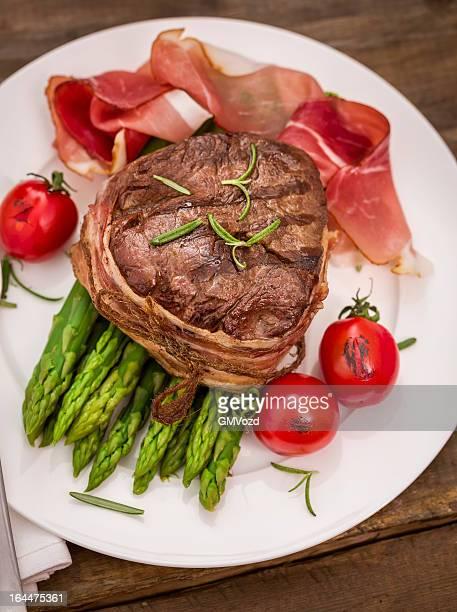 Filet Mignon with Asparagus