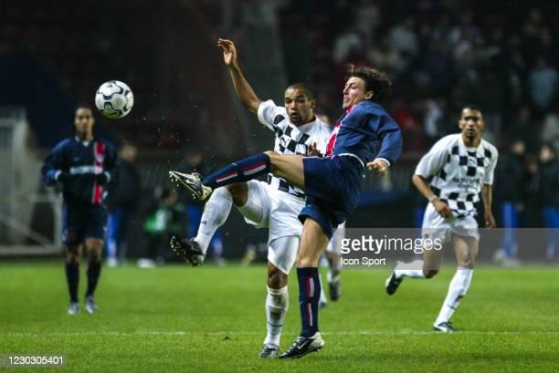 Filho SILVA of Boavista and Gabriel HEINZE of PSG during the UEFA Cup match between Paris Saint Germain and Boavista, at Parc des Princes, Paris,...