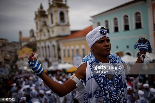 Filhos de Gandhy member prepares for the 3kilometer walk from the Pelourinho historical district to Campo Grande as part of the third day of...