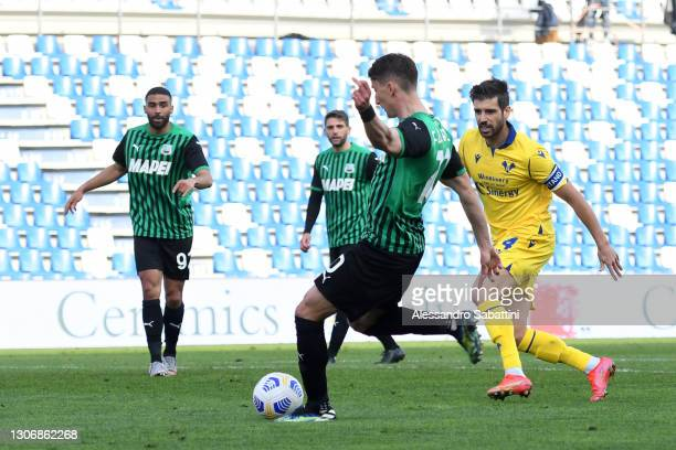 Filip Djuricic of Sassuolo scores their team's second goal during the Serie A match between US Sassuolo and Hellas Verona FC at Mapei Stadium - Città...
