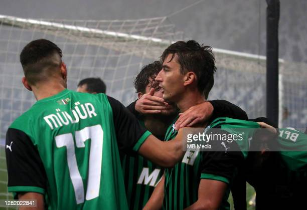 Filip Djuricic of US Sassuolo celebrates with his team mates after scoring his goal during the Serie A match between US Sassuolo and Torino FC at...