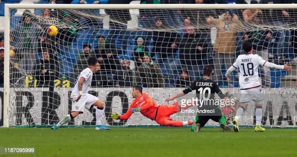Filip Djuricic of US Sassuolo scores his goal during the Serie A match between US Sassuolo and Cagliari Calcio at Mapei Stadium Citta del Tricolore...