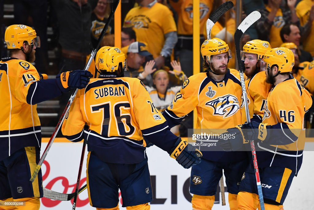 Filip Forsberg #9 of the Nashville Predators celebrates with teammates after his empty net goal during the third period of Game Four of the 2017 NHL Stanley Cup Final against the Pittsburgh Penguins at Bridgestone Arena on June 5, 2017 in Nashville, Tennessee.