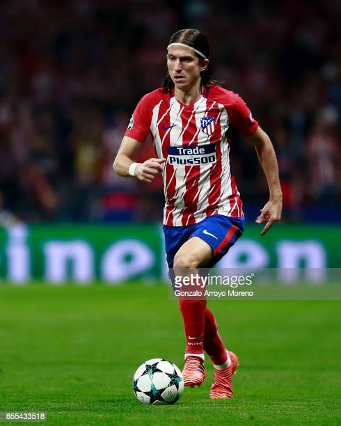 Filipe Luis of Atletico de Madrid controls the ball during the UEFA Champions League group C match between Atletico Madrid and Chelsea FC at Vicente...