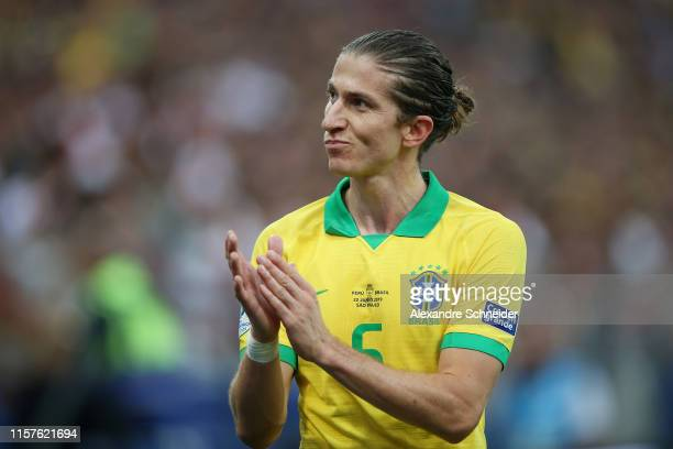 Filipe Luis of Brazil applauds the fans as he is substituted during the Copa America Brazil 2019 group A match between Peru and Brazil at Arena...