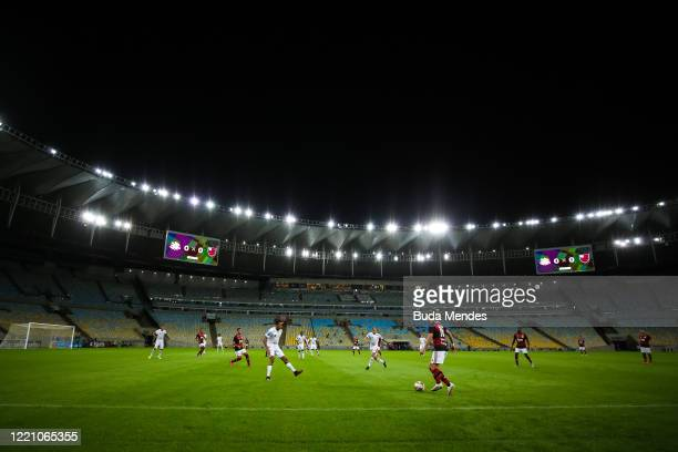 Filipe Luis of Flamengo controls the ball during the match between Flamengo and Bangu as part of the Carioca State Championship at Maracana Stadium...