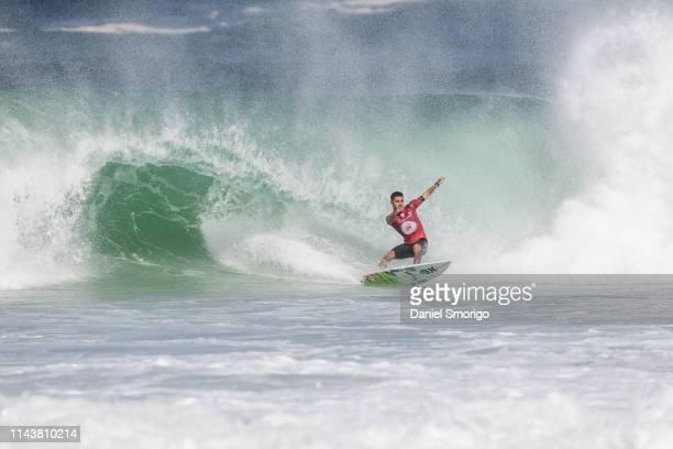 Filipe Toledo from Brazil advanced to the Finals after defeating current Jeep Leader Julian Wilson in Heat 1 of the Semifinals at the Oi Rio Pro in...