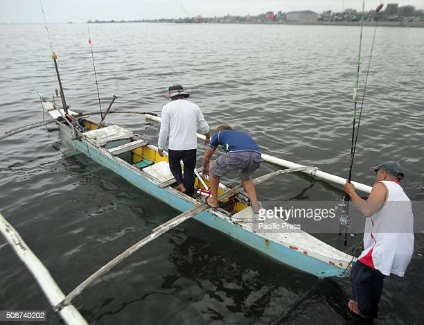 Filipino fishermen head out for the waters of Manila Bay According to the Bureau of Fisheries and Aquatic Resources the prevailing El Nino phenomenon...