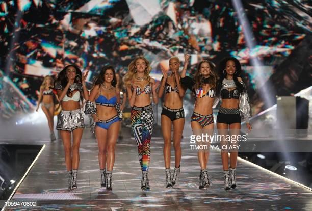Filipino model Kelsey Merritt, New Zealand model Maia Cotton, US model Willow Hand, US model Iesha Hodges, Dutch model Myrthe Bolt and Ivorian model...