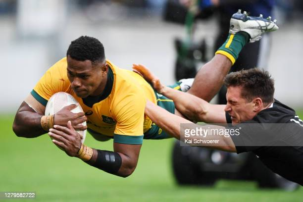 Filipo Daugunu of the Wallabies scores a try during the Bledisloe Cup match between the New Zealand All Blacks and the Australian Wallabies at Sky...
