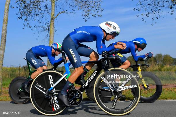 Filippo Ganna of Italy, Matteo Sobrero of Italy and Edoardo Affini of Italy sprint during the 94th UCI Road World Championships 2021 - Team Time...