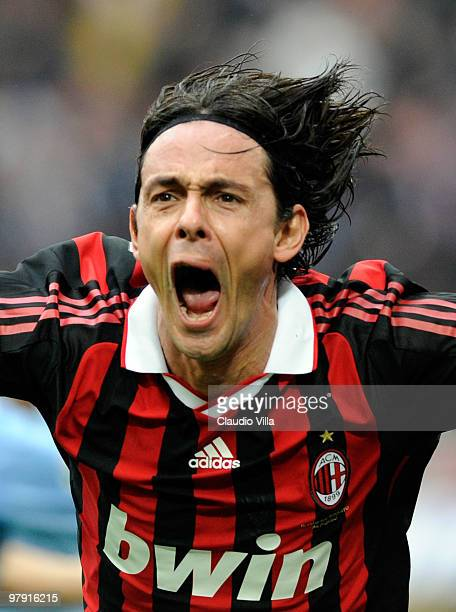 Filippo Inzaghi of AC Milan celebrates after scoring the 11 equalizer during the Serie A match between AC Milan and SSC Napoli at Stadio Giuseppe...