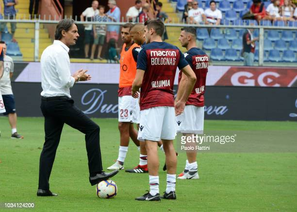 Filippo Inzaghi speaks with Bologna players before the serie A match between Genoa CFC and Bologna FC at Stadio Luigi Ferraris on September 16 2018...