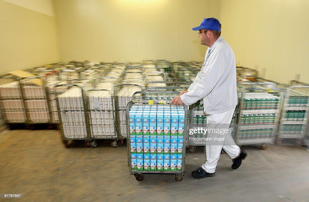 Milk Production At Dairy-Farm Trittau : News Photo