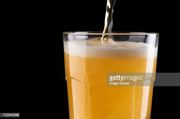 Filling beer glass