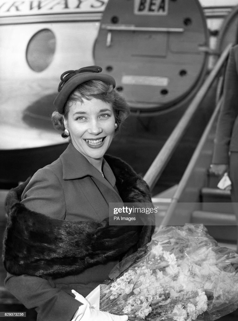 Sylvia Syms - London Airport Pictures | Getty Images
