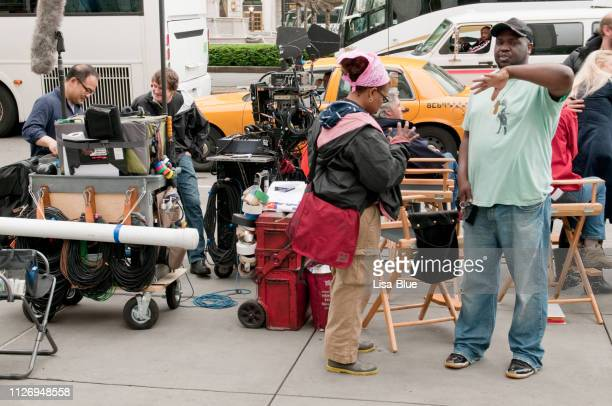 film crew,nyc. - lisa loud stock pictures, royalty-free photos & images