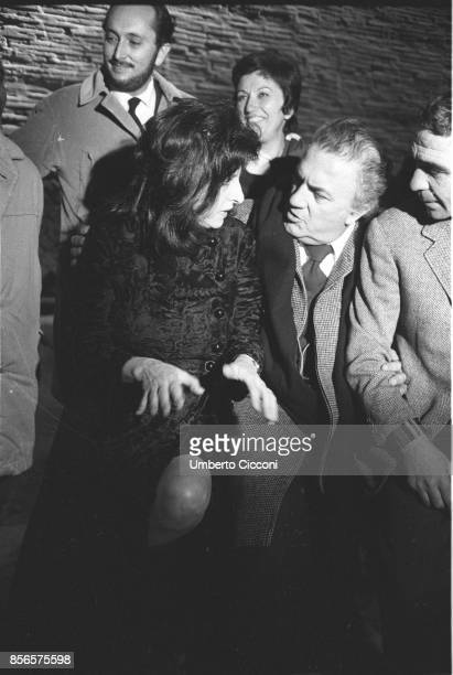 Film director Federico Fellini directing actress Anna Magnani during the movie 'Roma Rome 1971