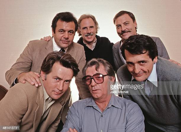 Film director Jason Miller with the cast of 'That Championship Season' Robert Mitchum Martin Sheen Bruce Dern Stacy Keach and Paul Sorvino...