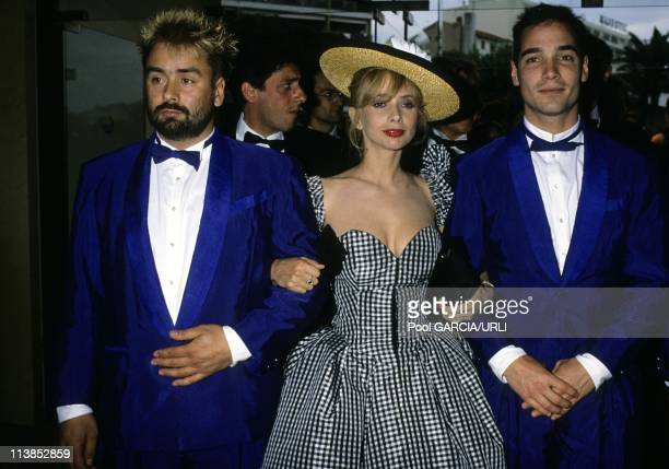 Film director Luc Besson with american actress Rosanna Arquette and french actor JeanMarc Barr the official presentation of The big blue at Cannes...