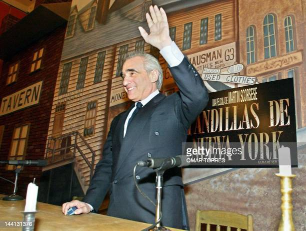 Film director Martin Scorsese greets the crowd during a conference in Mexico City 21 January 2003 El director de cine Martin Scorsese saluda antes de...