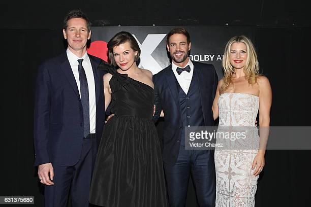 Film director Paul WS Anderson actress Milla Jovovich actor William Levy and Ali Larter attend the 'Resident Evil The Final Chapter' Mexico City...