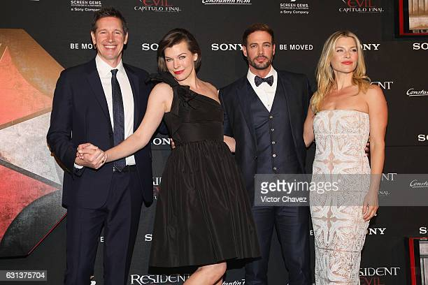 Film director Paul WS Anderson actresses Milla Jovovich Ali Larter and actor William Levy attend the 'Resident Evil The Final Chapter' Mexico City...
