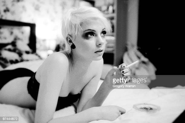 film noir - seductive women stock pictures, royalty-free photos & images
