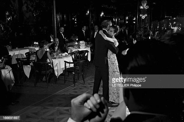 Film Premiere 'My Fair Lady' By George Cukor France Paris 22 décembre 1964 Pour la première du film musical américain 'My Fair Lady' du réalisateur...