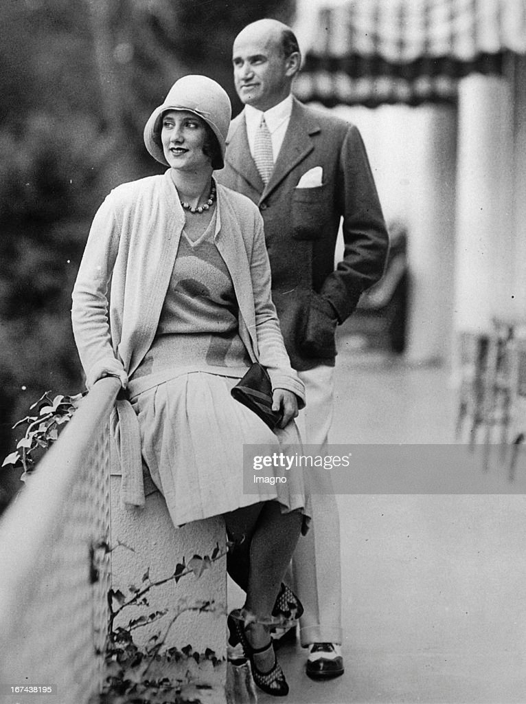 Film producer Samuel Goldwyn and his wife Blanche Lasky at Del Monte/Pebble Beach/California. About 1930. Photograph. (Photo by Imagno/Getty Images) Der Filmproduzent Samuel Goldwyn und seine Frau Blanche Lasky. Del Monte/Pebble Beach/Kalifornien. Um 1930. Photographie.