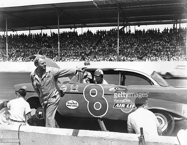 Filmed at a number of small dirt ovals in the South, the script of the 1960 movie release ÒThunder in CarolinaÓ was based around the Southern 500...