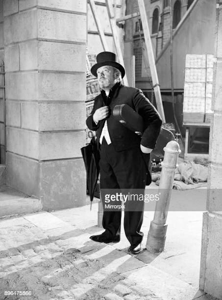 Filming of Pygmalion, directed by Anthony Asquith and Leslie Howard, at at Pinewood Studios, London, England, 20th March 1938. Willy Clifton aged 65,...