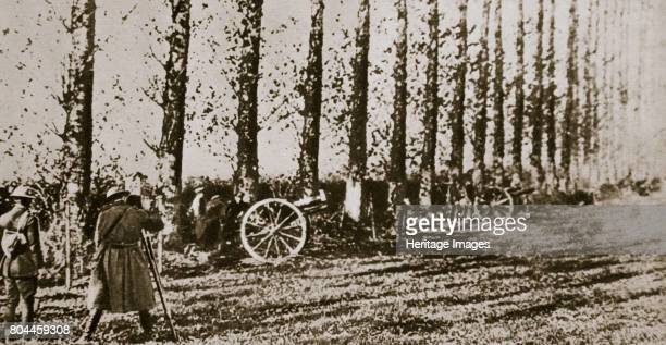 Filming the last shot fired before the Armistice World War I 11 November 1918 The guns fell silent at 11 am on 11 November 1918 Artist Unknown