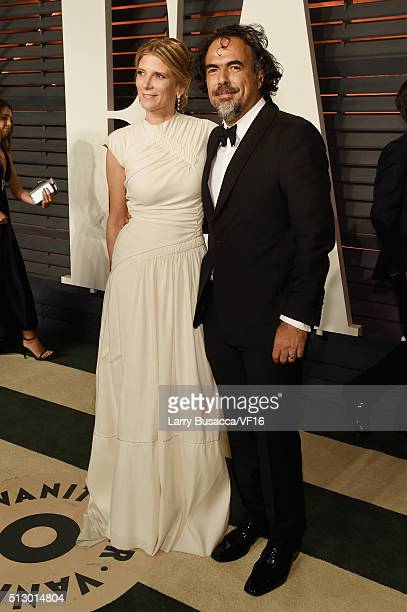 HILLS CA FEBRUARY Filmmaker Alejandro Gonzalez Inarritu and Maria Eladia Hagerman attend the 2016 Vanity Fair Oscar Party Hosted By Graydon Carter at...